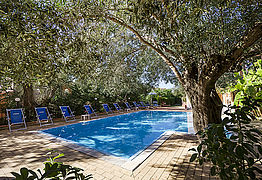 Residence-andrea-pool